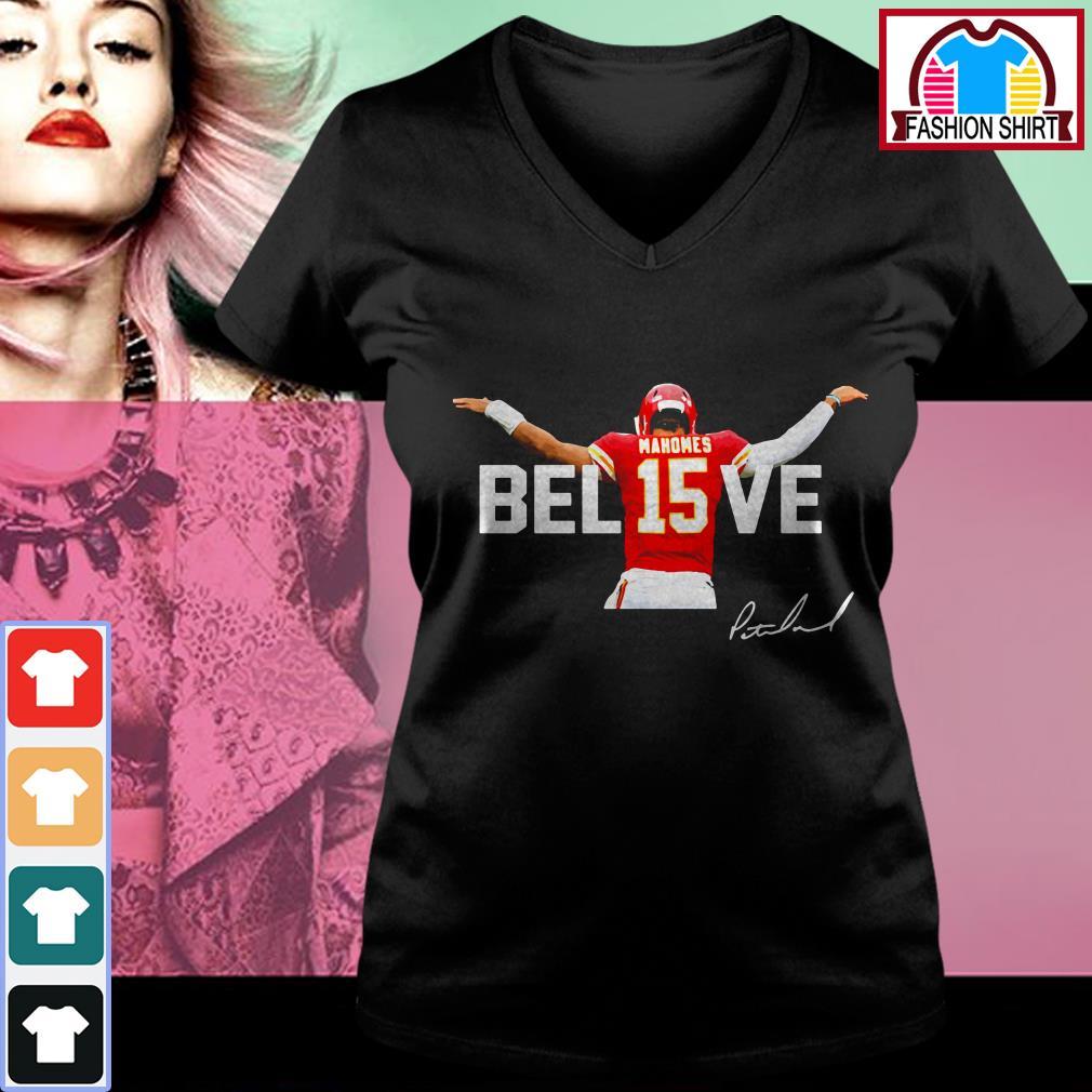 Official Mahomes Bel15ve signature shirt by tshirtat store V-neck T-shirt