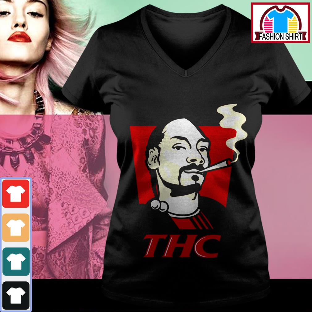 Official Snoop Dog smokes THC shirt by tshirtat store V-neck T-shirt