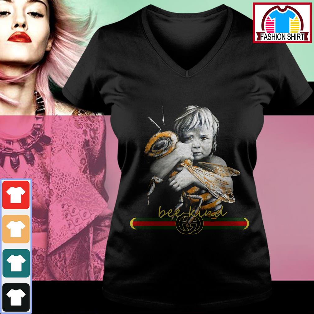 Official Baby hug bee Gucci Bee kind shirt by tshirtat store V-neck T-shirt